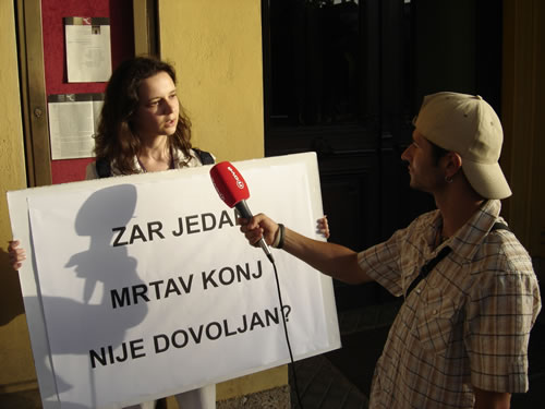 Protest in front of Croatian National Theater 4