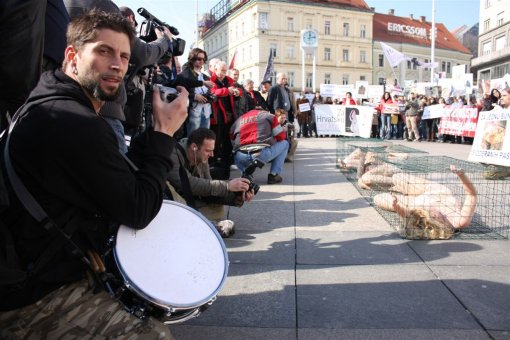 Anti-fur protest Zagreb 2009 f [ 143.27 Kb ]