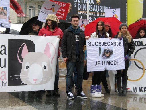 Anti-fur demo Zagreb 2010 f [ 98.01 Kb ]